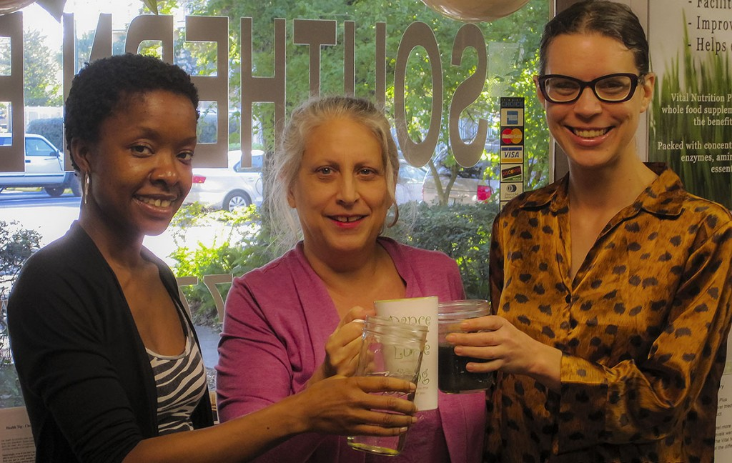 Amina, Deb and Katie starting their cleanse